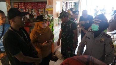 Photo of Aparatur Wilayah Sosialisasi Pencegahan Virus Corona hingga DBD di Pasar dan Permukiman