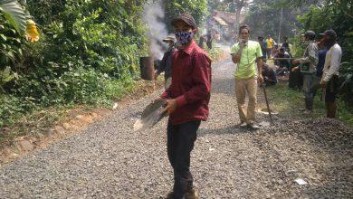 Photo of Warga Kampung Cisampang Bangga Adanya Pembangunan Jalan Poros Desa