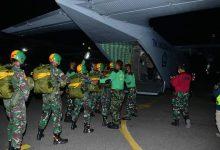 Photo of Jelang Wing Day, 18 Taruna AAL Tingkat lV Korps Marinir Lakukan Penerjunan Malam